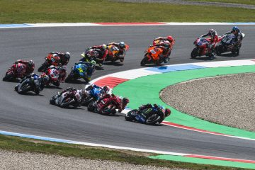 Stawka MotoGP na początku wyścigu w Assen