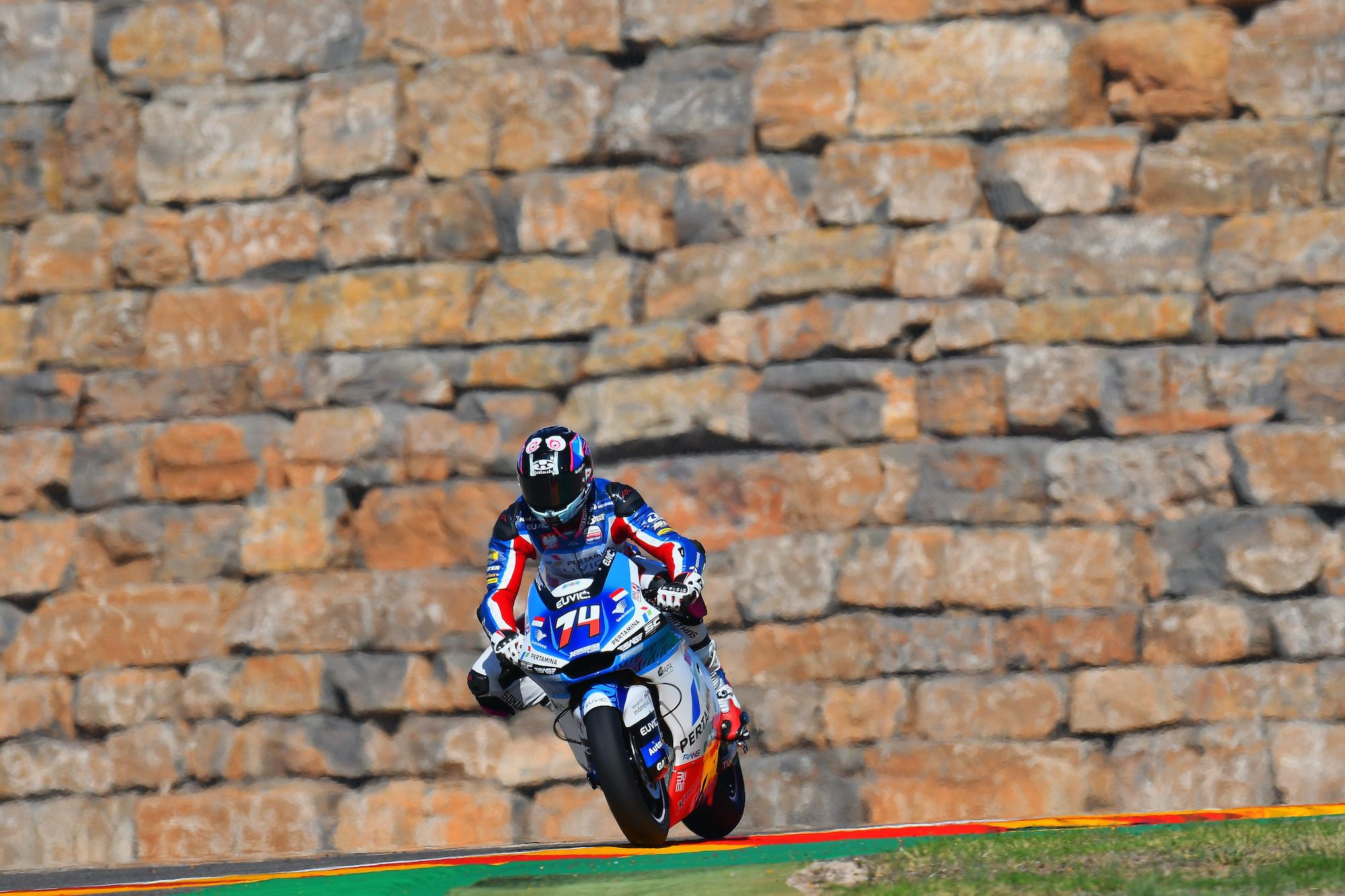 Piotr Biesiekirski podczas GP Aragonii Moto2 w Barcelonie