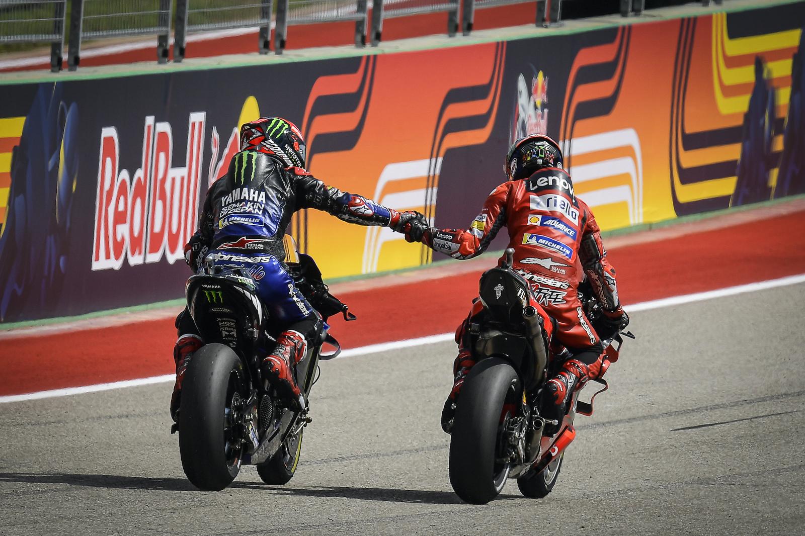 Fabio Quartararo i Pecco Bagnaia podczas MotoGP na COTA w Austin (Teksas, USA)